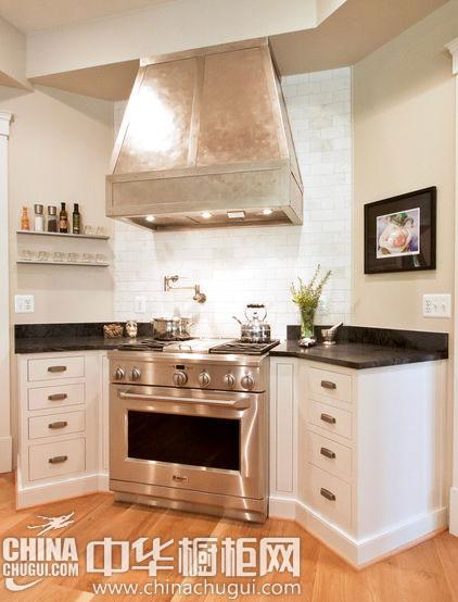 > 橱柜设计  【厨房中心多边形岛台】多重弧线设计的台面,多了就餐的