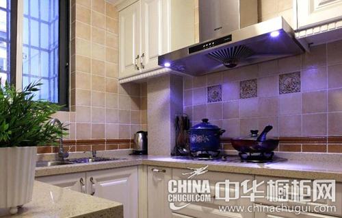 """欧式橱柜设计 不少业主为了让厨房没有一丝一毫的"""""""