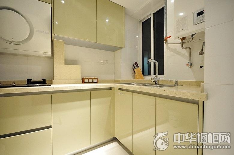 61平二居室厨房浅绿色橱柜图片 绿色橱柜效果图
