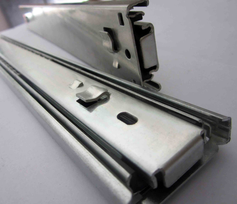 佛山润徽公司-铁制办公家具路轨档案柜-挂插式三节滚珠卡口滑道