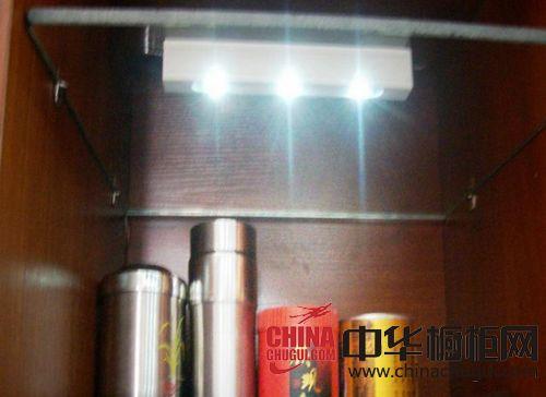 威斯泰橱柜灯具-自动感应系列层板灯