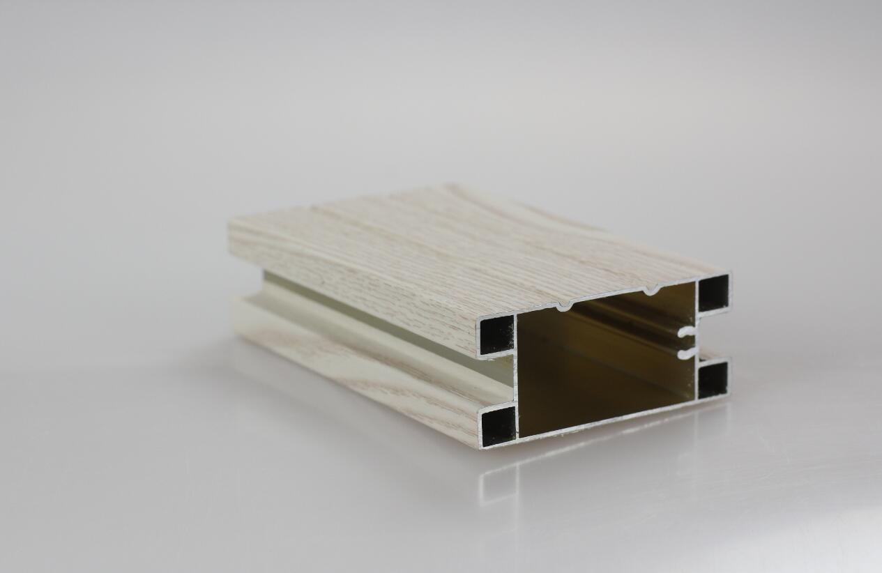 利欣雅门板-铝材框包覆